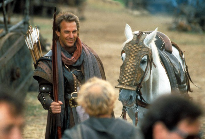 No Merchandising. Editorial Use Only. No Book Cover Usage. Mandatory Credit: Photo by Moviestore/REX/Shutterstock (1609875a) Robin Hood: Prince Of Thieves, Kevin Costner Film and Television