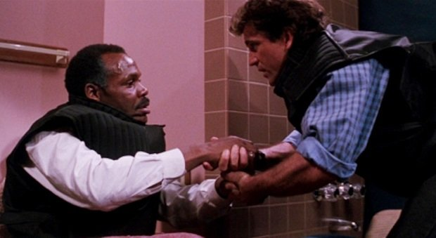ff-lethal-weapon-toilet1